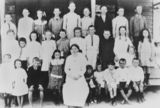Picture relating to Glen Aplin - titled 'Staff and students at Glen Aplin State School, 1916'
