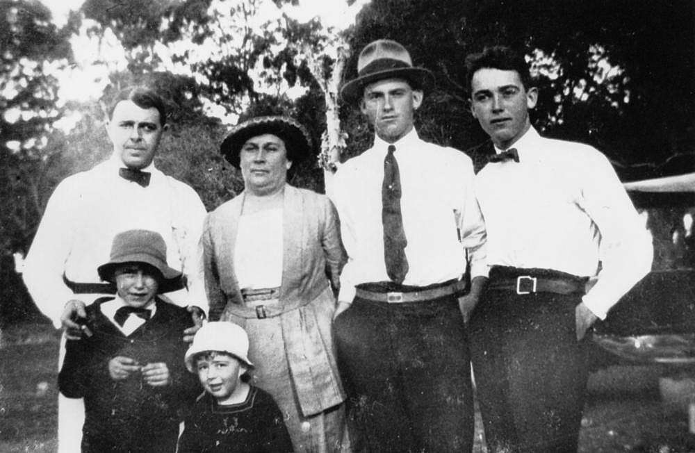 Picture of / about 'Victoria Point' Queensland - Gill family at Victoria Point ca. 1922