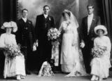 Picture relating to Ipswich - titled 'Wedding group, Ipswich, ca. 1913'