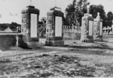 Picture relating to Warwick - titled 'Warwick War Memorial gates, ca.1928'