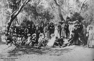 Picture of / about 'Charleville' Queensland - Group portrait taken at Charleville
