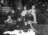Picture of / about 'Rosewood' Queensland - Portrait of a family at Rosewood, Queensland, ca.1896