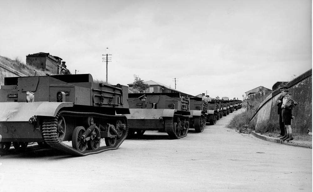 Picture of / about 'Brisbane' Queensland - Australian-made tanks driving to military camps in Brisbane, 1941