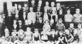 Picture relating to Glen Aplin - titled 'Pupils at Glen Aplin State School, 1939'