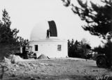 Picture relating to Mount Stromlo Observatory - titled 'Mount Stromlo Observatory, thirty inch Reynolds Telescope, under construction.'