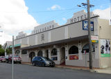 Picture relating to Tenterfield - titled 'Tenterfield Bergins Telegraph Hotel'