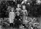 Picture relating to Biggenden - titled 'James and Julia Wilson's four children'