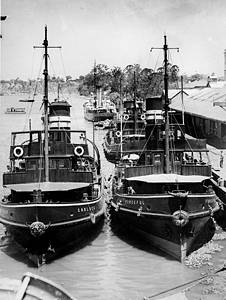 Picture of / about 'Brisbane' Queensland - Eagle Street wharves, Brisbane, Queensland, ca.1935