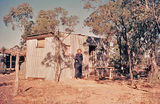 Picture relating to Lightning Ridge - titled 'Mining lease accommodation, Lightning Ridge'