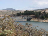Picture relating to Lake Jindabyne - titled 'Lake Jindabyne Dam Wall'
