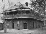 Picture relating to Toowoomba - titled 'Union Hotel in Toowoomba, Queensland, 1906'