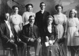Picture relating to Mackay - titled 'Mills family, Mackay, ca. 1911'