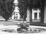 Picture relating to Parliament House - titled 'Old Parliament House courtyard and fountain'