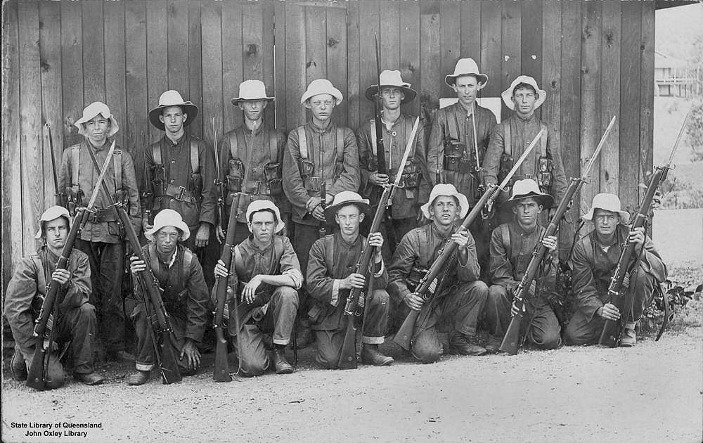 Picture of / about 'Brisbane' Queensland - Group portrait of the Citizen Military Forces, Brisbane, Queensland, ca. 1919