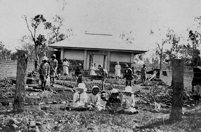 Picture of / about 'Ban Ban Springs' Queensland - Schoolchildren from Ban Ban Springs State School, tending to the school garden, 1919