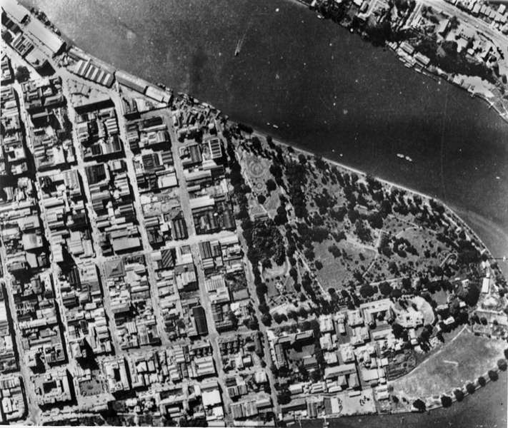 Picture of / about 'Brisbane' Queensland - Aerial photograph of Brisbane, 1942