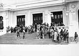 Picture relating to Parliament House - titled 'Visiting AmericanTourists from SS Malole, on the steps of Old Parliament House.'