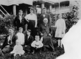 Picture relating to Bulimba - titled 'Ratcliffe Family'