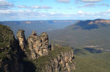 Picture relating to Katoomba - titled 'Three Sisters Katoomba'