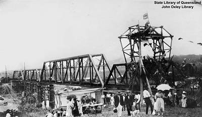 Picture of / about 'Johnstone River' Queensland - Building the Daradgee Bridge, Johnstone River, Queensland, 1924