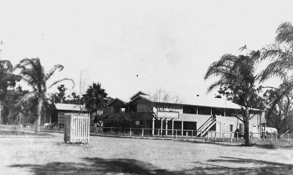 Picture of / about 'Theodore' Queensland - Hotel Theodore, 1938