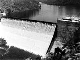 Picture relating to Cotter Dam - titled 'Cotter Dam, wall and spillway.'